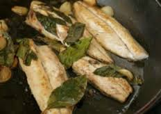 Fresh Mackerel with Bay Leaves and garlic