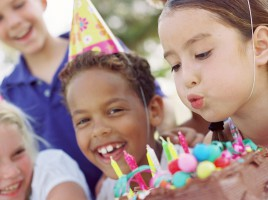 Kids party trends Birthday Cake - image via sheknows